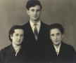 Cu viitoarea soție, Valentina Antoceanu (a 3-a din stânga)
