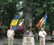 La monumentul Poetului din centrul Cernăuțiului